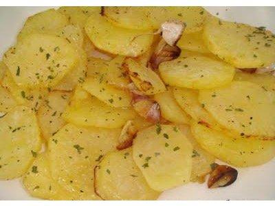 Receta de patatas al horno con ajo - Patatas pequenas al horno ...