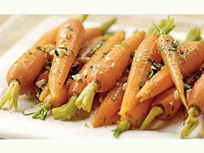 Una ensalada muy sana de zanahorias