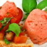 Una preparación con tomates.