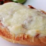 img_huevos_revueltos_con_pizzas_de_queso_29676_600